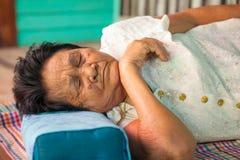 Sonno senior asiatico della donna Fotografia Stock Libera da Diritti