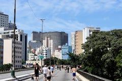 Sonntag Morgen in Sao Paulo-Stadt lizenzfreies stockfoto