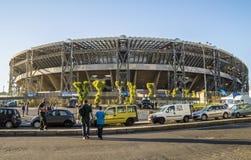 Sonntags-Sonnenuntergang über San Paolo Stadium, Napoli Lizenzfreie Stockfotos