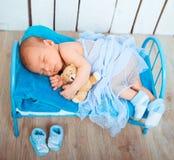 Sonos recém-nascidos bonitos do bebê Fotos de Stock