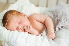 Sonos recém-nascidos bonitos do bebê Imagens de Stock
