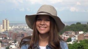 Sonrisa adolescente de la muchacha de la cara bonita Foto de archivo