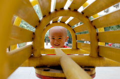 Sonrisa asiática del bebé Foto de archivo libre de regalías