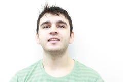 Sonrisa atractiva del hombre joven Imagen de archivo libre de regalías