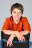 Sonrisa caucásica adolescente joven del muchacho Fotografía de archivo libre de regalías