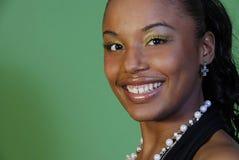 Sonrisa de la mujer de Beautiuful Foto de archivo libre de regalías