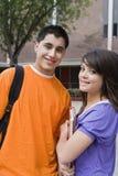Sonrisa de los estudiantes de la High School secundaria Imagenes de archivo