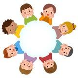 Sonrisa de los niños alineada en un círculo Foto de archivo libre de regalías