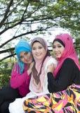 Sonrisa de Ovely de muchachas musulmanes Foto de archivo libre de regalías
