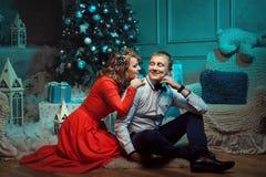 Sonrisa del hombre y de la mujer en uno a Foto de archivo libre de regalías