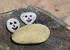 Sonrisa en los guijarros Foto de archivo libre de regalías