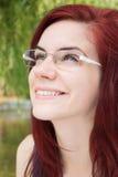 Sonrisa feliz de la mujer joven imágenes de archivo libres de regalías