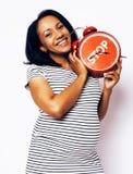 Sonrisa feliz embarazada de la mujer afroamericana bonita joven, posi Imagenes de archivo