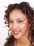 Sonrisa grande de la mujer joven del retrato Fotos de archivo