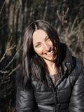 Sonrisa hermosa de la mujer joven Retrato Fotografía de archivo libre de regalías