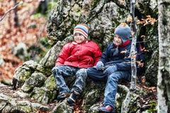 Sonrisa joven de los muchachos feliz Imagen de archivo