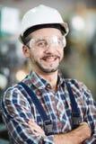 Sonrisa madura del obrero foto de archivo libre de regalías