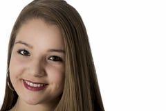 Sonrisa natural joven emocionada de la muchacha del adolescente Imagen de archivo libre de regalías