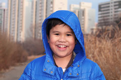 Sonrisa retrato joven y feliz del muchacho Imagenes de archivo