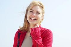 Sonrisa rubia de las mujeres Foto de archivo libre de regalías