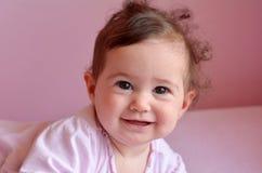 Sonrisas felices del bebé Fotos de archivo
