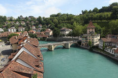 Sont allumés Bern.Vid et jettent un pont sur Untertorbrücke. Photos libres de droits