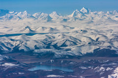 sonw Berg und See in Himalaja lizenzfreies stockfoto