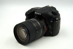 Sony Alpha 68, A68, lente macro de Tamron 16-300mm do fim da câmera da foto Foto de Stock