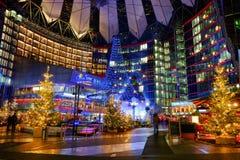 Sony Center sur le Potsdamer Platz Berlin, Allemagne - 29 11 2016 photographie stock libre de droits