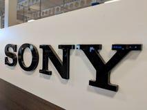 Sony Logo na parede na loja de Honolulu Best Buy fotografia de stock royalty free