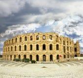 Soorten Romein amphitheatre in de stad van Gr JEM in Tunesië stock foto