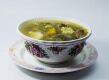 Sopa caliente y amarga de la carne de vaca Lemony Imagen de archivo