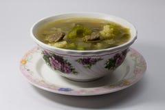 Sopa caliente y amarga de la carne de vaca Lemony Foto de archivo