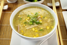Sopa china del pollo y del maíz Imagenes de archivo