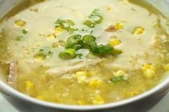 Sopa china del pollo y del maíz foto de archivo