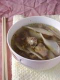 Sopa chinesa dos peixes com nagaimo imagens de stock royalty free