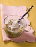 Sopa com bolinhos de massa imagens de stock royalty free
