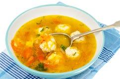 Sopa com cenoura, cebola, paprika e almôndegas Foto de Stock Royalty Free