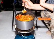 Sopa com cogumelos em uma bandeja Fotografia de Stock