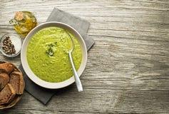 Sopa com vegetal e ervas Fotos de Stock