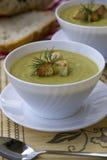 Sopa con el calabacín Imagenes de archivo