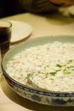 Sopa cozinhada por esferas pequenas dos peixes Imagens de Stock Royalty Free