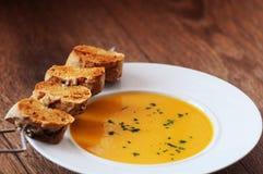 Sopa cremosa de la zanahoria Foto de archivo