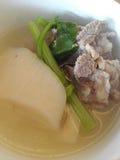Sopa da carne de porco do rabanete Fotos de Stock