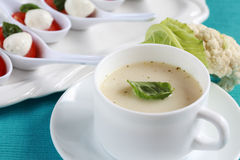 Sopa da couve-flor imagens de stock
