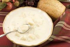Sopa de batata cremosa caseiro Imagem de Stock Royalty Free