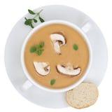 Sopa de champiñones con las setas en el cuenco aislado desde arriba Imagenes de archivo