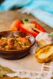 Sopa de cocido húngaro caliente húngara tradicional Imágenes de archivo libres de regalías