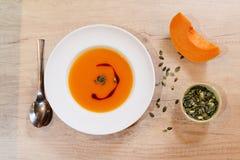 Sopa de creme da abóbora - vegetariano orgânico - vegetariano Foto de Stock Royalty Free