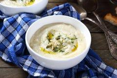 Sopa de creme do aipo com sementes de abóbora Fotografia de Stock Royalty Free